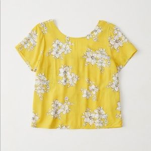 NWT Button Back Floral Blouse